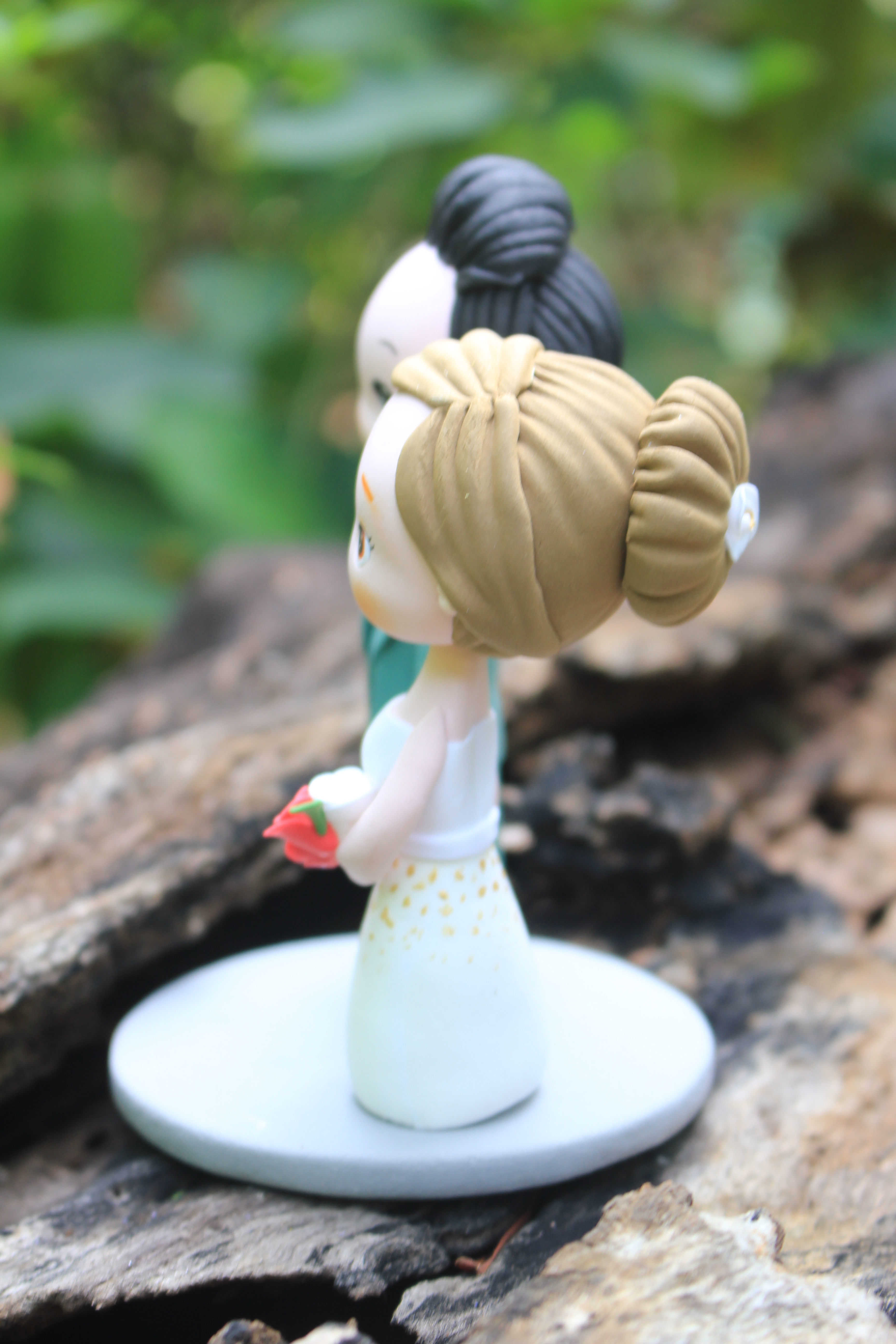 Picture of Classic Wedding Cake Topper