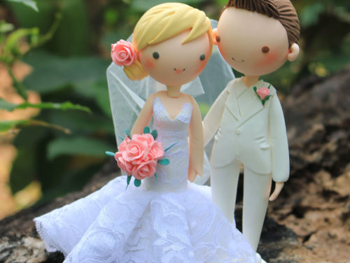 Picture of Peach Wedding Cake Topper