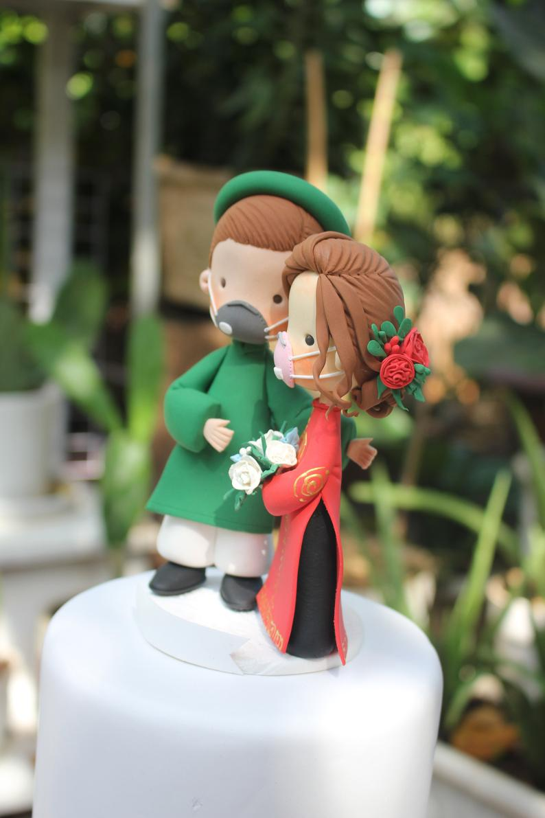 Picture of Corona wedding cake topper, Vietnam Ao dai wedding cake topper