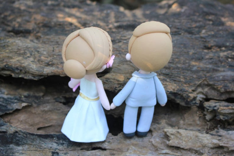 Picture of Classic traditional wedding topper bride and groom